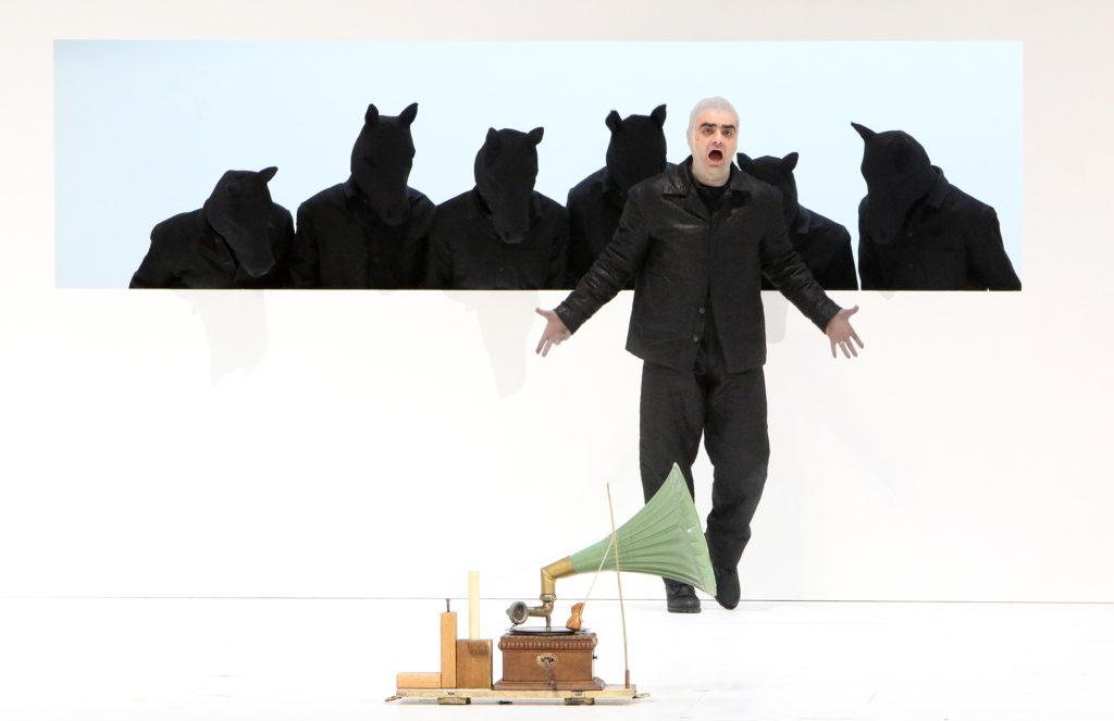 Chille, wem Gechill gegeben: Die Gesangseinlage von Captain Scott (Rolando Villazón) macht die Pferde nicht verrückt.