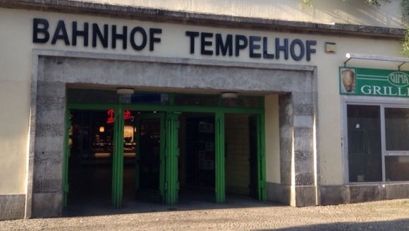 tempelhof_eingang