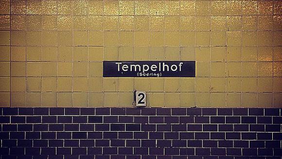 tempelhof_schild