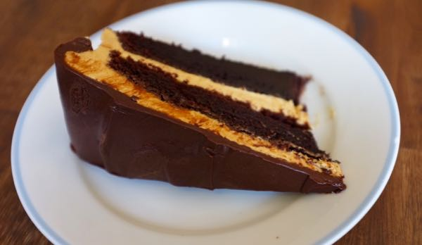 Schoko-Erdnussbuttercreme-Torte