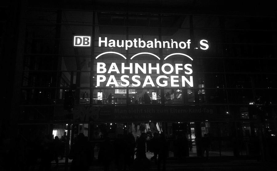 Potsdam Hauptbahnhof, Südausgang