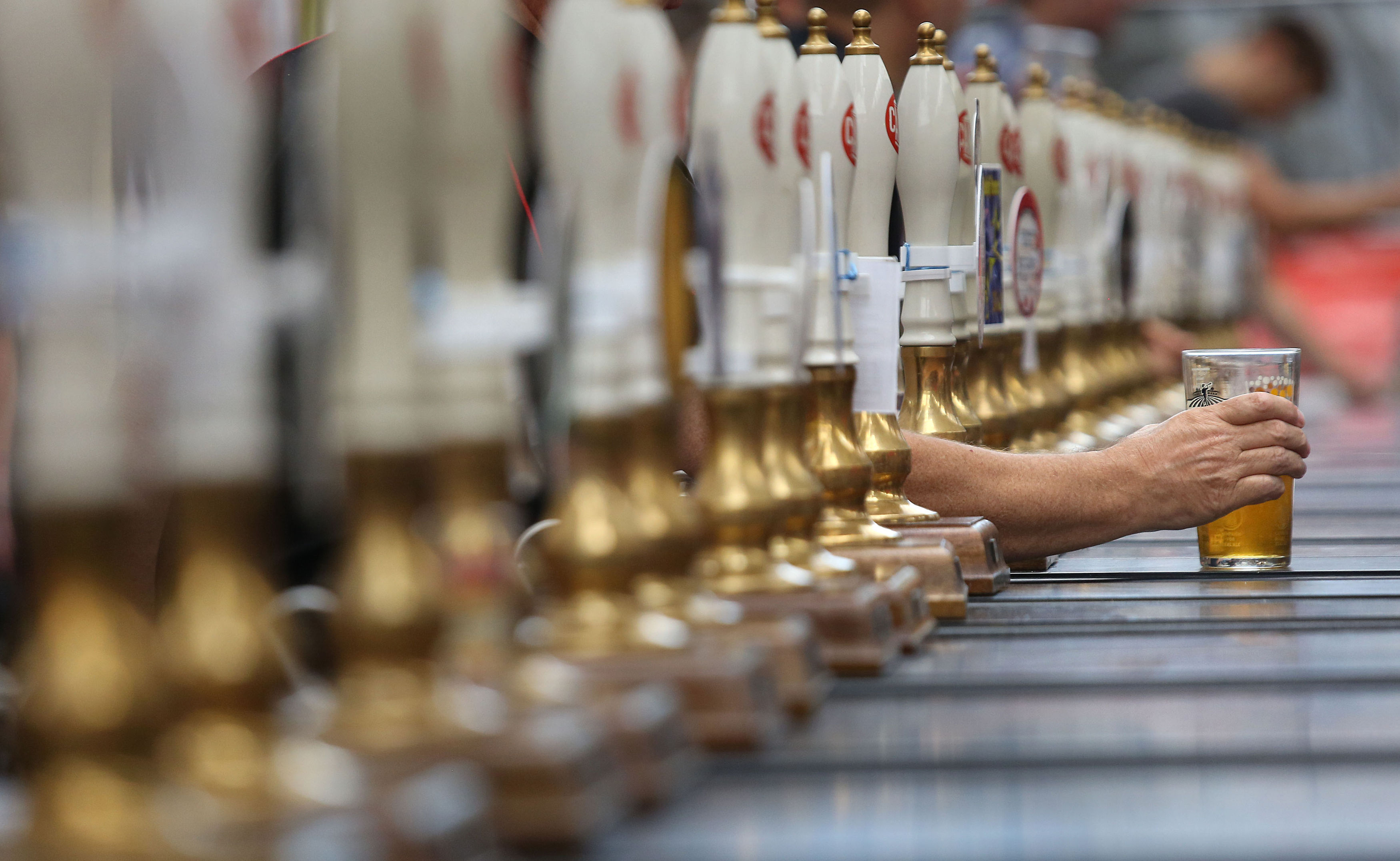 Beer sales. File photo dated 09/08/16 of a pint of beer, as beer sales fell in the quarter to September compared to a year ago, but only because the Rugby World Cup boosted the drinks trade in 2015, new figures show. Issue date: Thursday November 3, 2016. Sales fell by 3.4% to 6.9 million barrels (around two billion pints) in pubs, bars, supermarkets and other stores, the British Beer & Pub Association (BBPA) said. See PA story INDUSTRY Beer. Photo credit should read: Philip Toscano/PA Wire URN:29075499 |