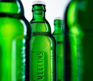 Grüne Welle: Veltins war Vorreiter bei der Einführung von Relief-Flaschen.