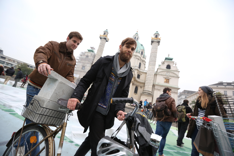 Hypotopia, Protestaktion zum Parlament am 30. Oktober 2014. TU-Wien Studentenprojekt Milliardenstadt. - 20141030_PD9259 |