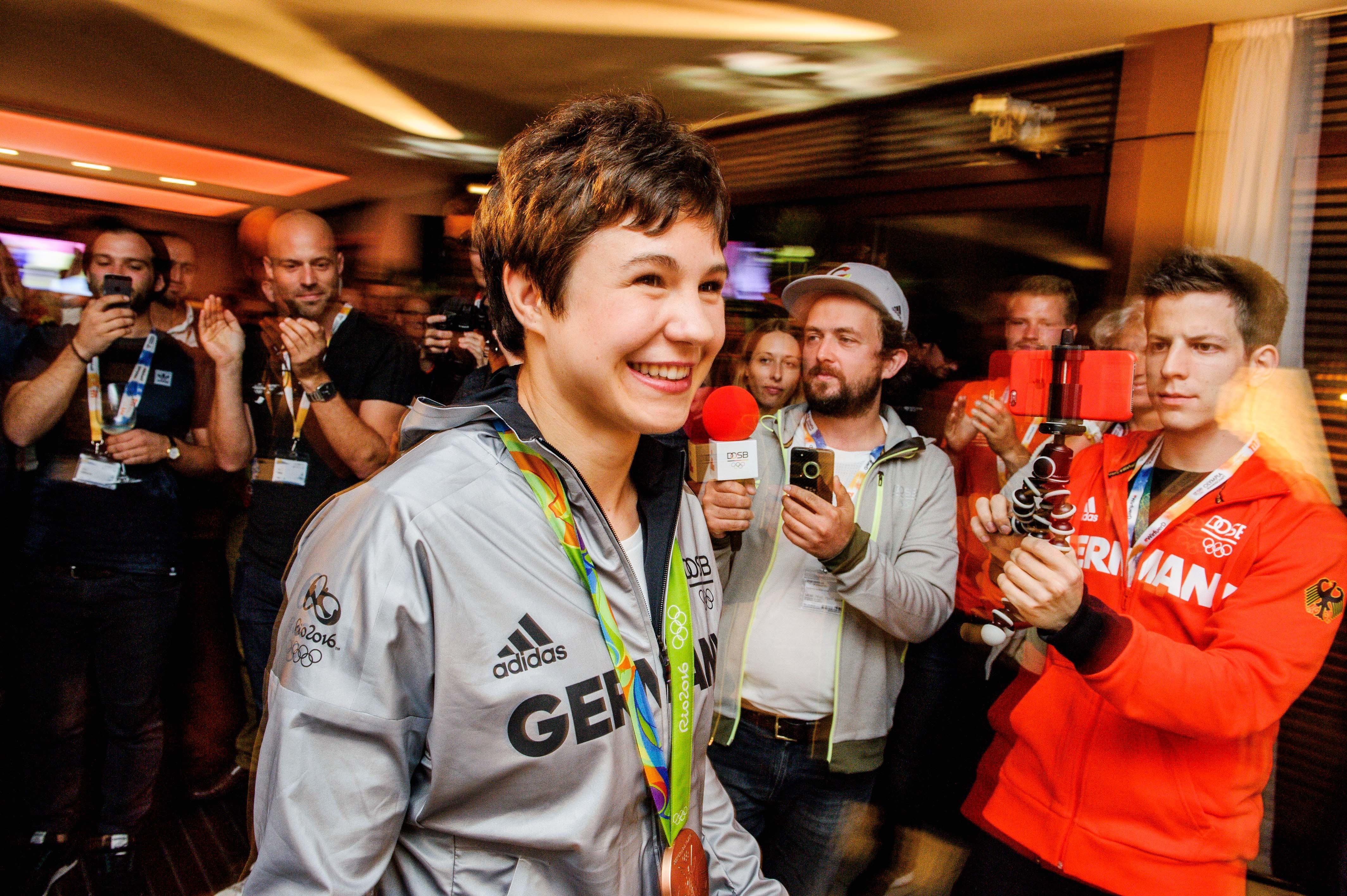 Bronzemedaillen-Gewinnerinn Laura Vargas-Koch im Deutschen Haus am 10.08.2016 - Olympische Sommerspiele 2016, Deutsches Haus in Rio de Janeiro. Foto: picture alliance / Robert Schlesinger | Verwendung weltweit
