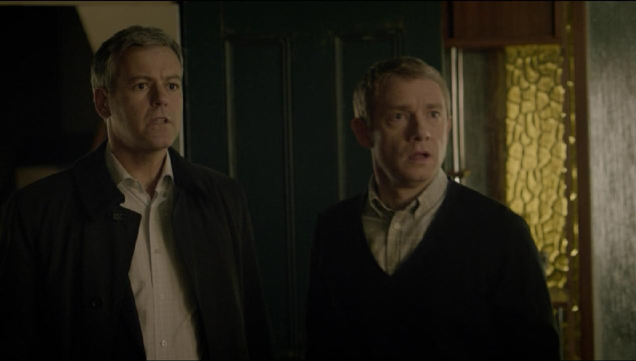Dr. Watson (Martin Freeman) und Inspektor Lestrade (Rupert Graves) in typischer Pose: verblüfft.