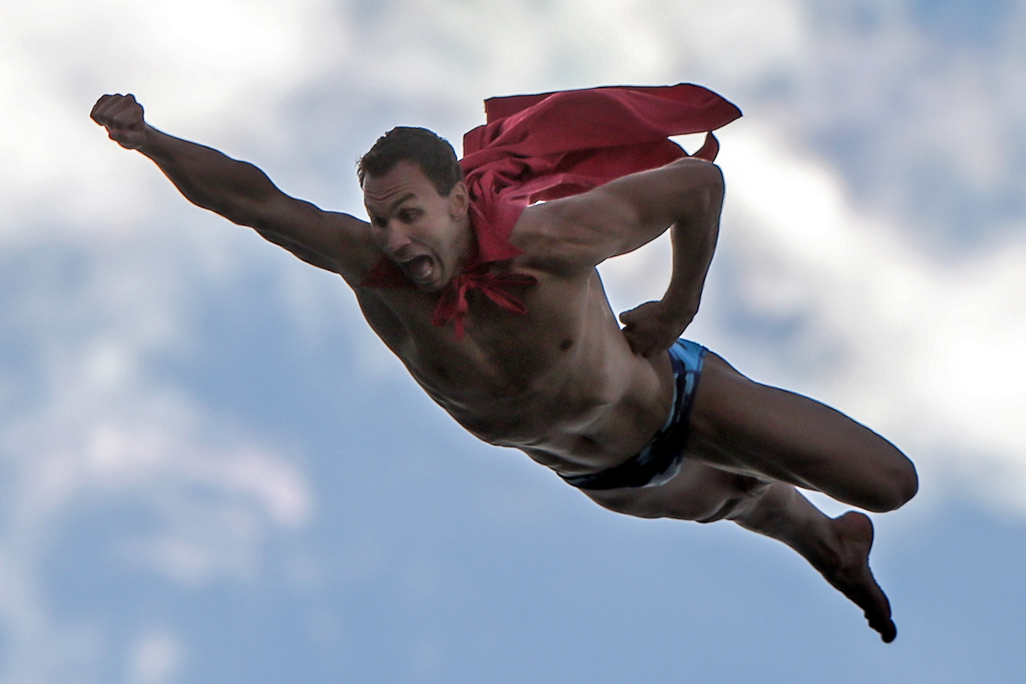 KAZAN, RUSSIA. AUGUST 5, 2015. Michal Navratil of the Czech Republic dressed as superman competes in the men's 27m high diving final at the 16th FINA World Championships. Sergei Savostyanov/TASS |