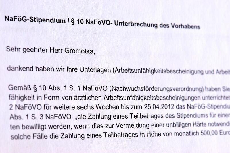 """Schwere Verletzung nach einem Fahrradunfall? Nach § 10 NaFöVO ist das eine """"Unterbrechung des (Promotions-)Vorhabens"""", die auch die Zahlungen unterbrechen lässt."""