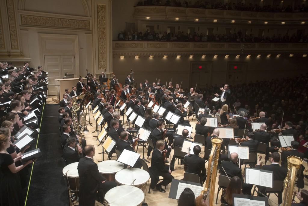 Ihre Werke folgen ihnen nach: der Westminster Symphonic Choir und die Wiener Philharmoniker