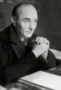 Musil um 1930 am Schreibtisch