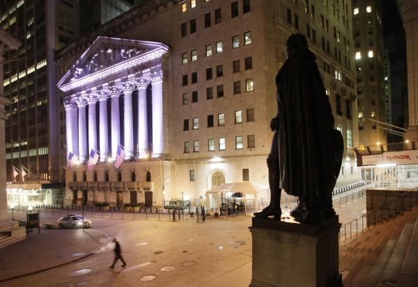 Die George-Washington-Statue vor dem ersten Capitalgebäude der Vereinigten Staaten hat die Wall Street genau im Blick.