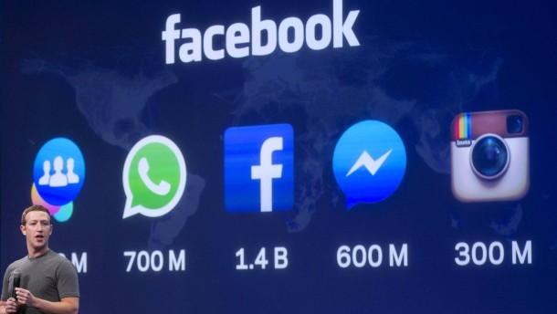 Mark Zuckerberg vor den Icons seines Imperiums