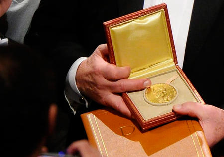 Die Medaille von Wirtschafts-Nobelpreisträger Dale Mortensen