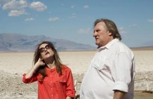 Mit Isabelle Huppert in einer Szene des Films