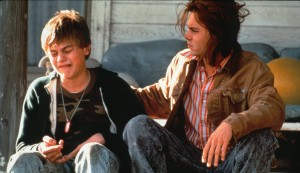 "Johnny Depp und Leonardo DiCaprio 1993 in ""What's Eating Gilbert Grape?"""