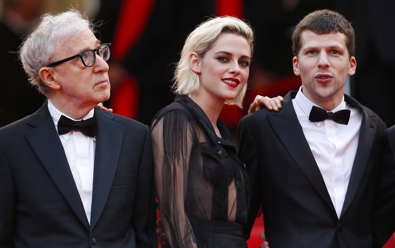 """Woody Allen, Kristen Stewart und Jesse Eisenberg vor der Premiere von """"Café Society"""""""
