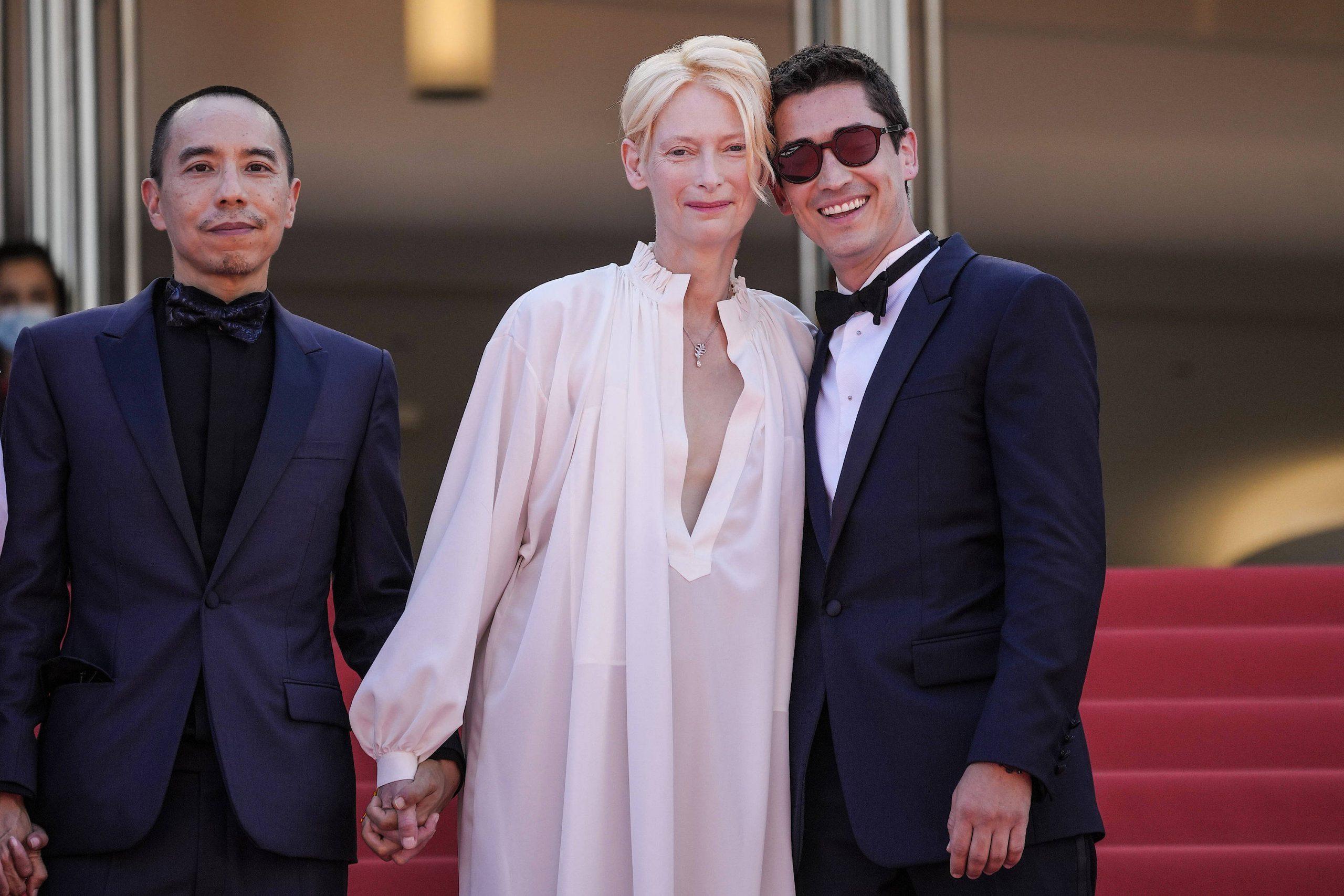 Der thailändische Regisseur Apichatpong Weerasethakul (links) und die Schauspielerin Tilda Swinton auf dem roten Teppich