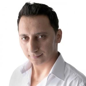 Masoom Gharibyar ist 28 und stammt aus Afghanistan. Jetzt lebt er in Frankfurt.