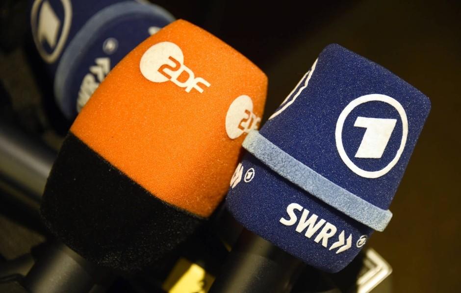 Mikrofon an: ARD und ZDF hören zu.