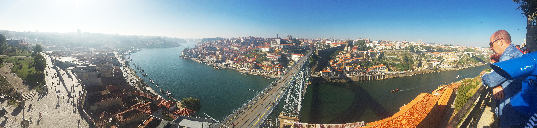 Panorama: Porto (rechts) und Vila de Nova Gaia.