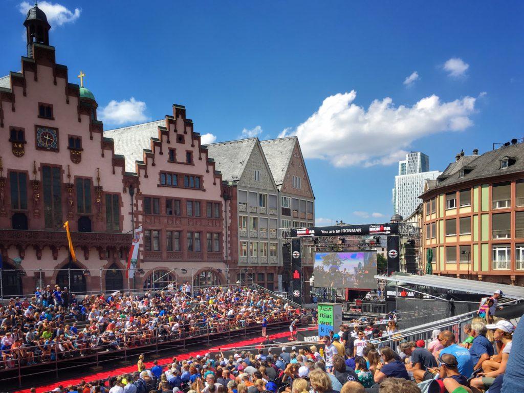 Das Ziel des Ironman Frankfurt auf dem Römer