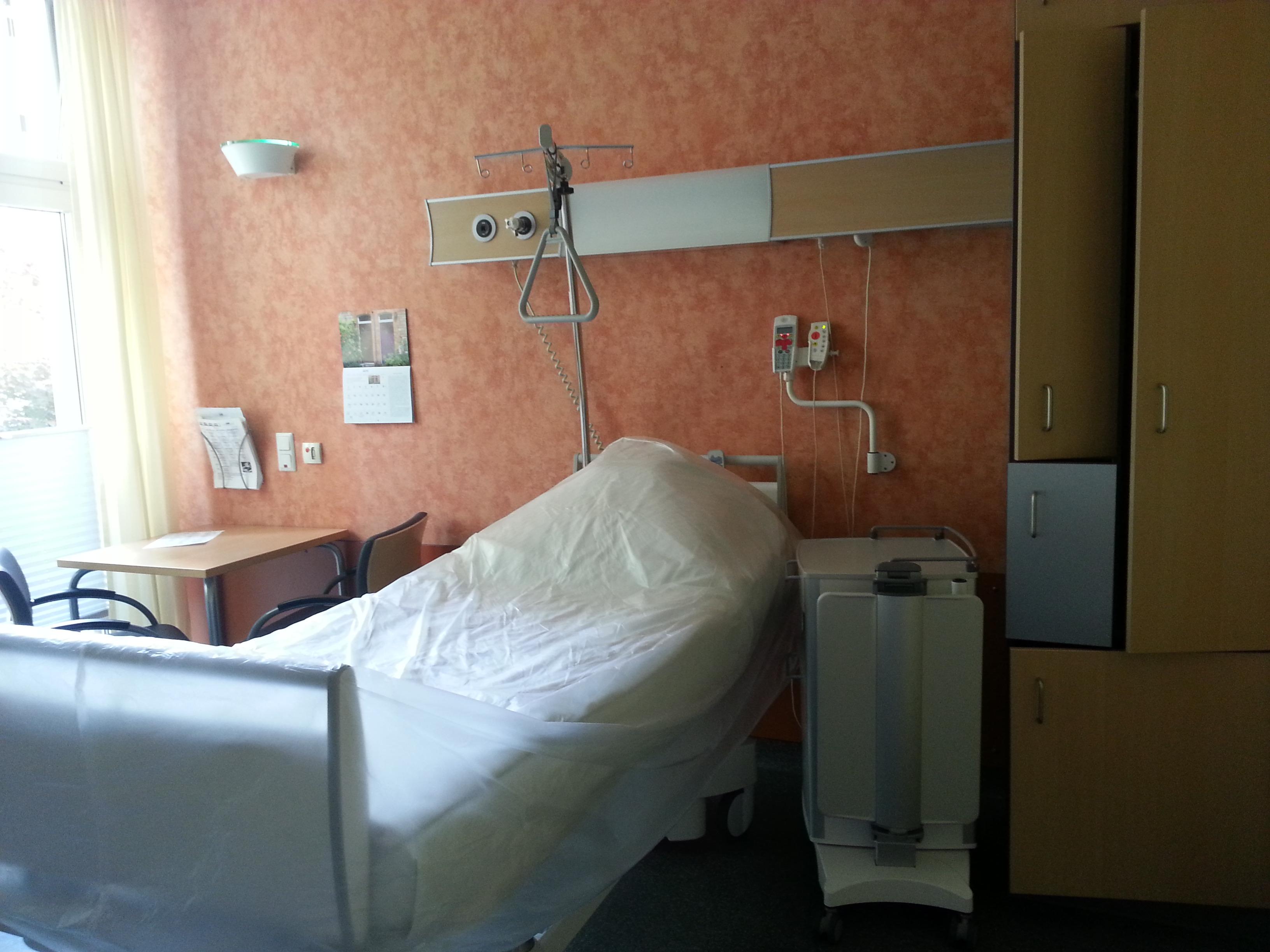 oberschenkelhalsbruch wie lange krankenhaus
