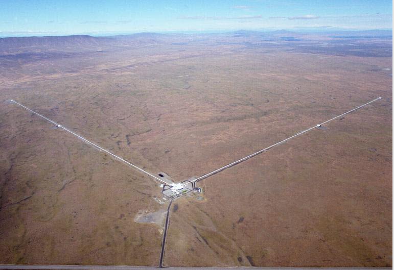 Eines der LIGO Interferometer in Hanford (Washington).