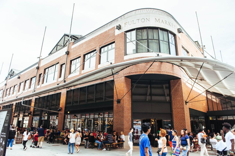 Das historische Fulton Market-Gebäude steht in einem der ältesten Distrikte von New York.