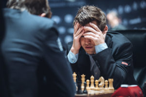 Blickt Weltmeister Carlsen noch durch? (Foto: Max Avdeev for Agon Limited)