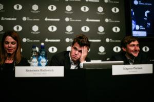 So verschieden erlebten sie die 5. Partie. (Foto: Polina Gurtovaya for Agon Limited)