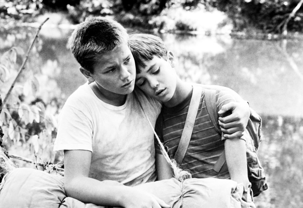 """River Phoenix (l.) und Wil Wheaton 1986 in Rob Reiners Stephen-King-Verfilmung """"Stand by me"""""""