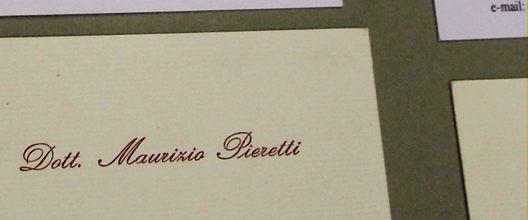 Die Rettung Italiens Mit Visitenkarten Stützen Der